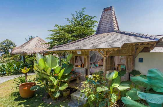Samavesa-Bali-Yoga-Retreat-The-Shala8